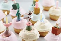 a little party / Balloons // party hats // confetti // cake