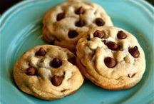 Chocolate COOKIES / Chocolate chip cookies and more!