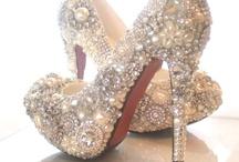 Fashion & Beauty  / Fashion, jewelry, beauty (of all kinds), etc.  / by Lindsey Ford