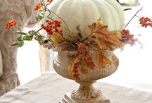 All things for a lovely {table} / Entertaining like a pro - dress your table. / by Leslie Heitz