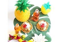 Pineapple Party Ideas / Party like a Pineapple with our Pineapple Party Ideas!  All the Pineapple decorations and Pineapple Party Supplies you are looking for, including pineapple balloons, pineapple cups and plates!