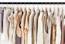 Ordnungsliebe Kleiderschrank / Kleiderschrank organisieren, Ordnung in Kleider bringen, Klamotten aufräumen, begehbarer Kleiderschrank