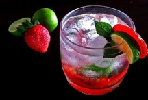 Delicious Drinks / Tasty, ceative drinks from smoothies to cocktails that leave your mouth watering #drinks #beverages #cocktails #smoothies / by Regina | LeelaLicious