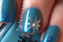 Nail Designs / by Marsha De Ruiter