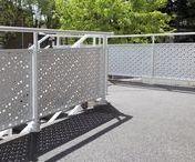 Garde-corps / Balcons, terrasses, loggias, descentes d'escalier, SIB propose de nombreuses solutions techniques pour votre sécurité et tranquillité. Nos garde-corps sont homologués selon les normes NF Privé à usage individuel.