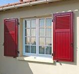Volets battants / Choisir des volets pleins isolants, semi-ajourés ou ajourés pour sublimer votre maison.