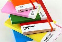 I love Pantone / Objetos, gráficos, y más