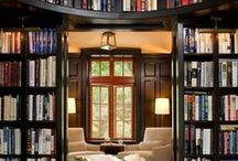 Bookcases / A cleverly arranged bookcase can be as pretty as Julia Roberts, and as simple as 123