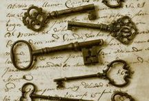 Keys / What is the types of keys available during the centuries.
