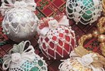HOLIDAY - ORNAMENTS / by Janice Daniell