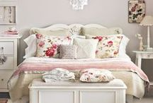 BEDROOM IDEAS / by Janice Daniell