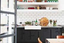 Modern Farmhouse Kitchen / farmhouse kitchen ideas. Fixer upper kitchen. Farmhouse style. Modern farmhouse kitchen. Home decor.