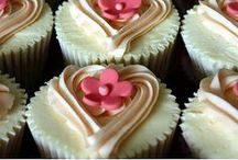 Cupcakes / I think I have a cupcake problem! / by Dawn Wooten-Santos