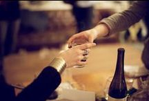 Book Club Drinks / Delicious drinks to serve 10-15 easily, some with literary pairings.