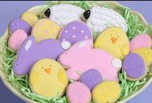 Easter Crafts & Treats / Tons of crafts, DIYs and adorable treats to help celebrate Easter!