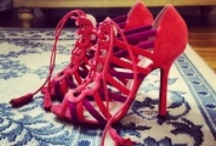 Only Shoes / by Iran Lemus