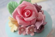 Cakes/Cupcakes / by Maralee