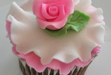 Food: Fancy Cakes & Cupcakes / Beautifully Decorated, Creative Cakes & Cupcakes That Caught My Eye / by Lisa Marshall