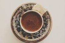 A cup of coffe, tea, hot chocolate or me? / Den perfekta koppen.
