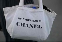 I ♥ TOTE BAGS / by Daphne Schuuring