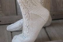Knitting and crochet - feet / Inspiration, tutorials and patterns to make anything yarny for the feet: socks, slippers, etc. / by Raphaele Lamaze-Beyssac