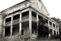 Antebellum and Old Mansions / by Kelly Rittenbach