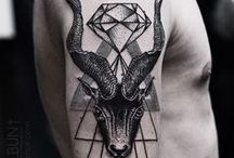 TATTOO / by Simona Clandestine