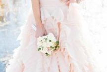 Blushing Bride ♔ / A beautiful wedding in the faintest of pinks. ❤