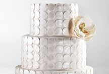 Cakes / by Pamy Delgra