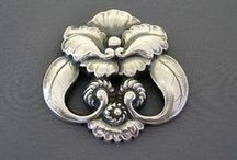 Art Nouveau and Art Deco Jewelry