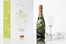 Romantische Champagnes / Wil je een avond echt romantiek inblazen? Schenk dan champagne in plaats van stille wijn, cola of appelsap. Champagne roept direct associaties op die het gevoel de goede richting op begeleiden.