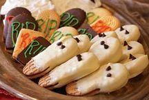 No Tricks, Just Treats! / Cute and easy-to-make Halloween snacks and treats for your Halloween party, or just a spooky surprise!