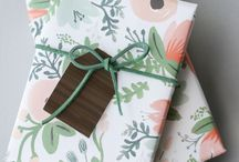 W R A P / Gift wrap, wrapping paper, gift tags, gift wrapping styling inspiration