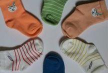 Chaussettes Osage / Chaussettes Osage en coton bio, certifiées OEKO-TEX, pointure 15/18 et 19/22. Votre bébé mérite les meilleurs produits pour couvrir ses petits pieds. Découvrez ces jolies chaussettes en coton bio garanti exempt de produits toxiques pour le corps et l'environnement.  Matière : Coton Oeko-Tex®, polyamide, élasthanne  Conseil d'entretien : Laver à l'envers à 30°  Chaussettes bébé fabriquées en France dans le Limousin. En vente sur www.pomdereinette.fr