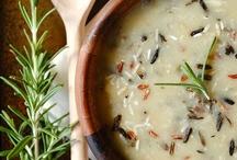 Soup, Beans & Stews / by Jorgelina Cruz