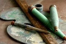 Haberdashery / Vintage threads, buttons, pins and textiles