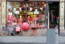 shopaholic! / shops around the world