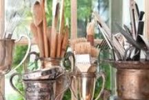 Creative Spaces / Great ideas for art studios, craft rooms, a place to call your own to make art or work. Also great ideas for creative storage of art supplies.