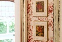 Wall Art / Beautiful walls in your Home, including tips on hanging wall decor