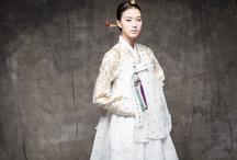Hanbok / by Iliana de la Cruz