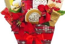 Gift Baskets: Christmas / Whether you're looking for something small and cute or large and dazzling for a huge group, Art of Appreciation's holiday gifts are festive and fun! #gift #giftbasket #holidays #Christmas