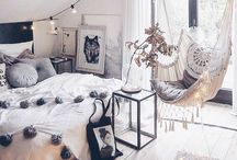 Home Decor Ideas Interior Design / Home Decor, Interior Decor and Room Design for Jungles, Beaches, Mountains, Cities... whatever your vice bring your travel love back home-- its the place you visit most often- why not have it feel like a vacation? Cottage Decor, Bohemian Decor