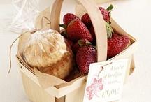 Gift Ideas (Food) / by Tenille Tsujimoto