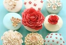 Making Your Own Wedding Cupcakes / Some ideas and inspiration for using cupcakes at your wedding. Cupcakes can be extremely versatile - you can use them instead of a traditional wedding cake or as place cards or wedding favours too! http://www.toptableplanner.com/blog/make-your-own-wedding-cupcakes