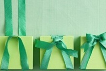 Gift Wrap Ideas / by Becky Johns