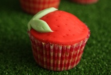 Cupcakes and Muffins / by Christina Paulson