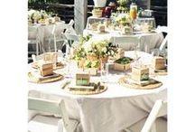 Décoration de table champêtre à créer soi meme / Jolies idées de décorations de table champêtre : centres de table cage à oiseau, décors en mousse végétale....