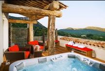 | Villas with Jacuzzis |