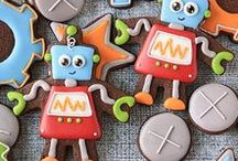 Decorated Cookies for Boys / Decorated cookie ideas for little boys, tweens and teens. Cookie cutter shapes for boys.