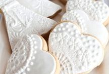 Decorated Wedding Cookies / A collection of decorated cookie ideas for weddings and wedding showers. Cookie cutters shapes for weddings.